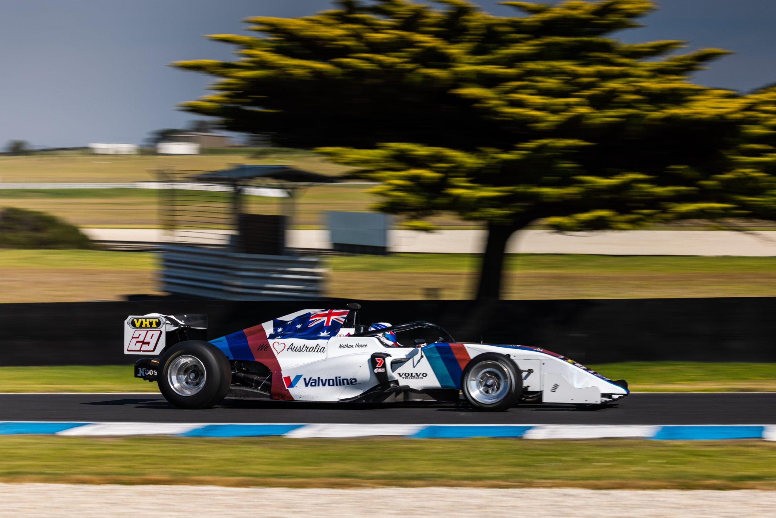 Herne escapes Phillip Island race start crash