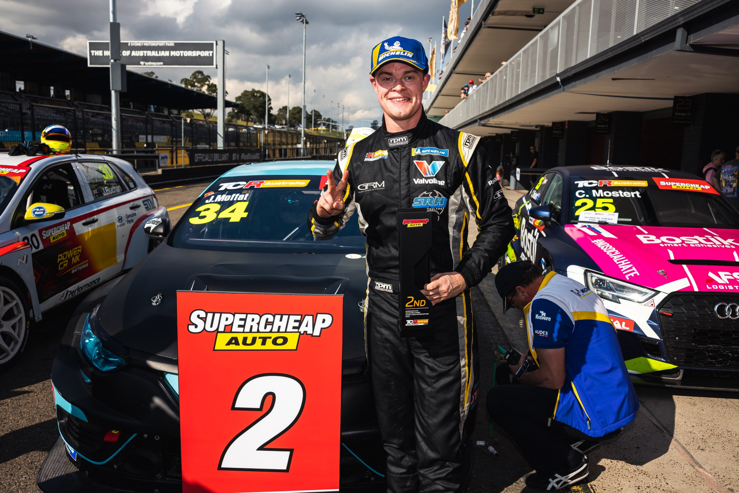 Podium for Renault in opening TCR Australia race