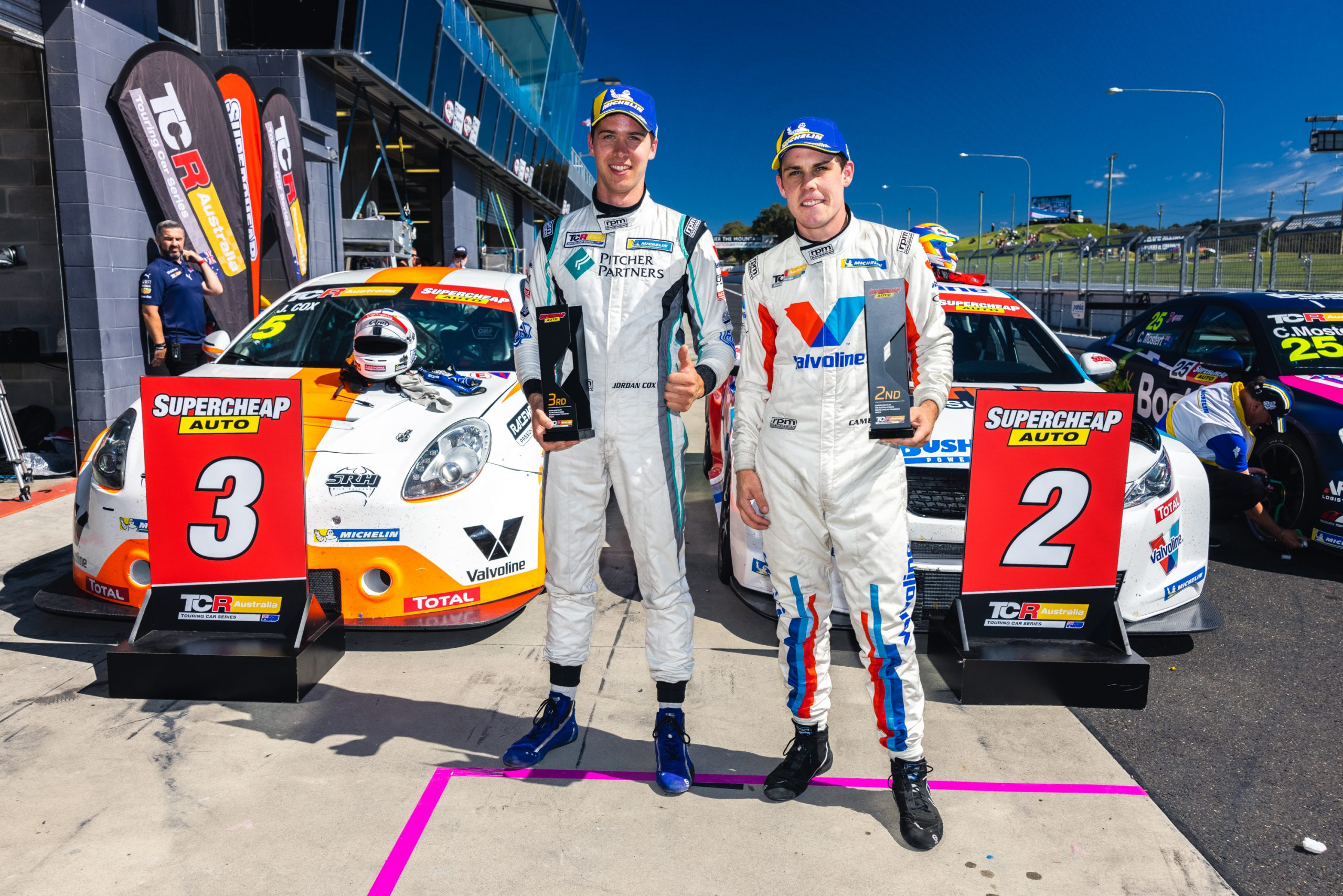 Double podium in final TCR race at Bathurst